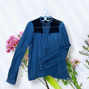 Beautiful denim and lace blouse from Guess